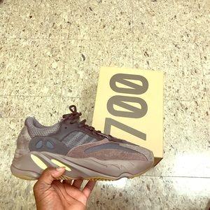 "Adidas Yeezy Boost 700 ""Muave"""